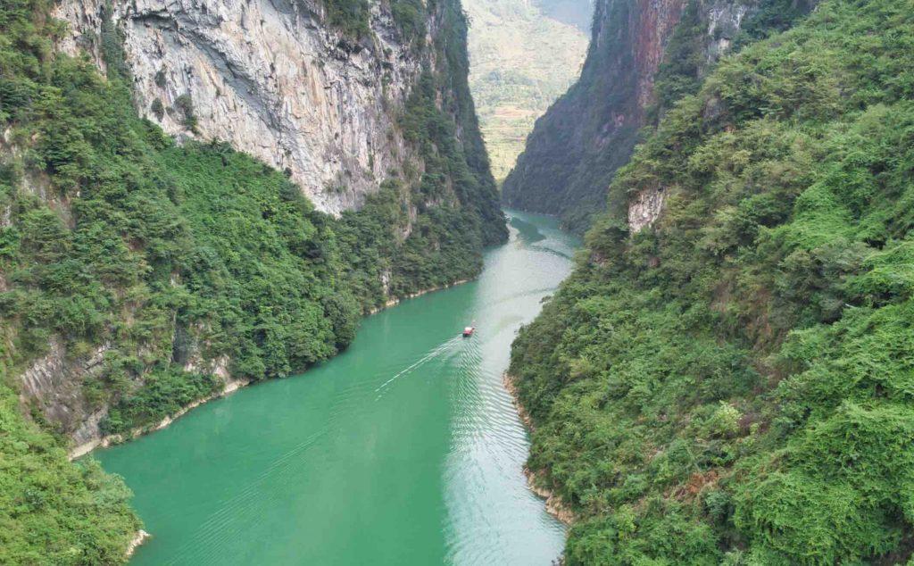 Sông Nho Quế - Dải lụa của cao nguyên đá