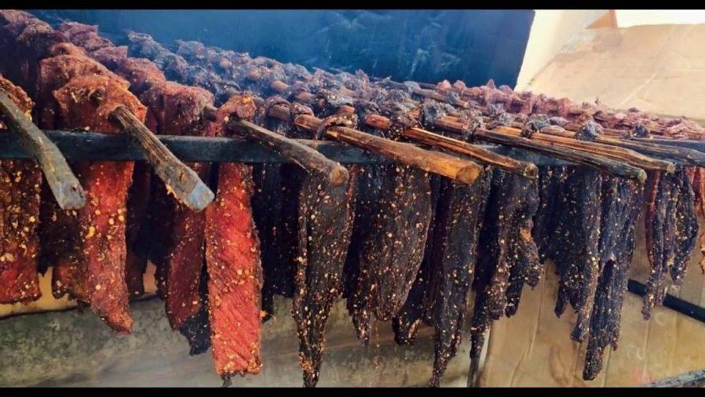 Thịt trâu gác bếp - Trải nghiệm du lịch Hà Giang