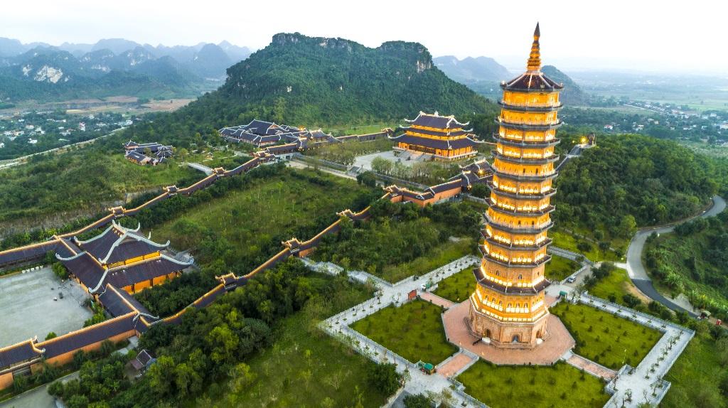 du lịch chùa Bái Đính đầu năm