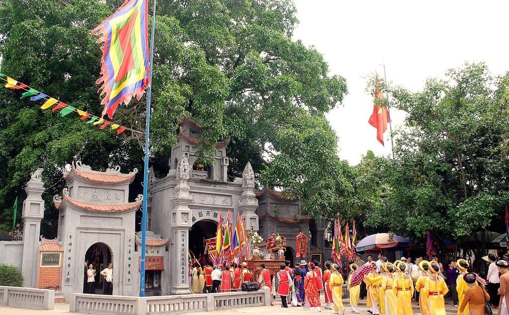 đền trần du lịch đầu năm