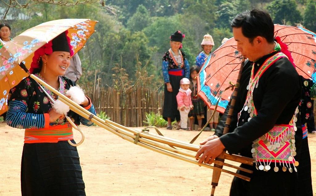 Roóng Poọc  lễ hội Tết tại Sapa