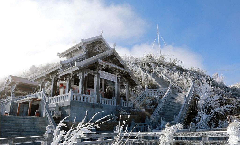 ngắm tuyết đỉnh Fansipan Sapa
