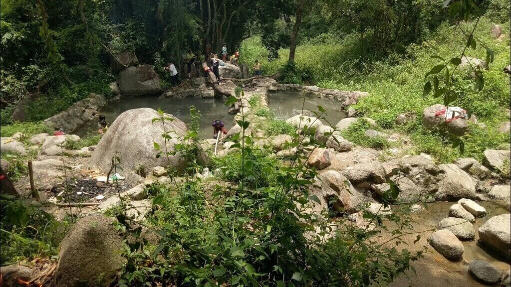 Suối nước nóng Đam Rông