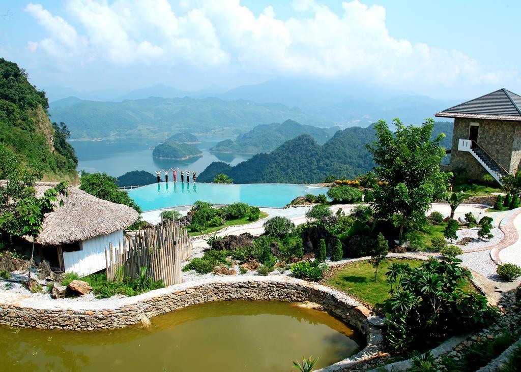 Ngắm cảnh từ các resort