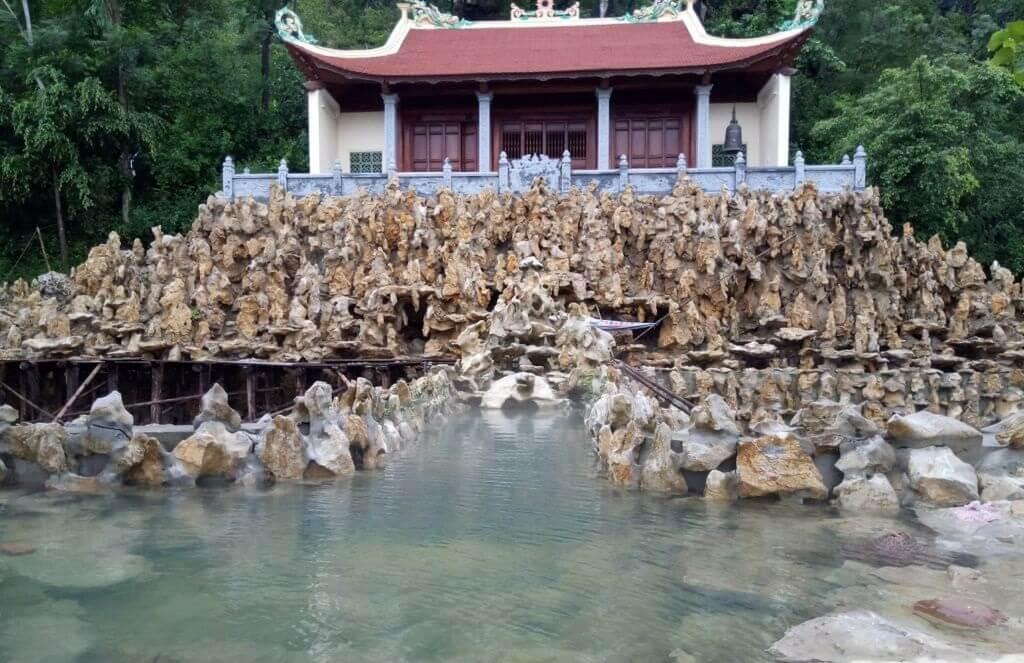Suối nước nóng Kênh Gà (Ninh Bình)