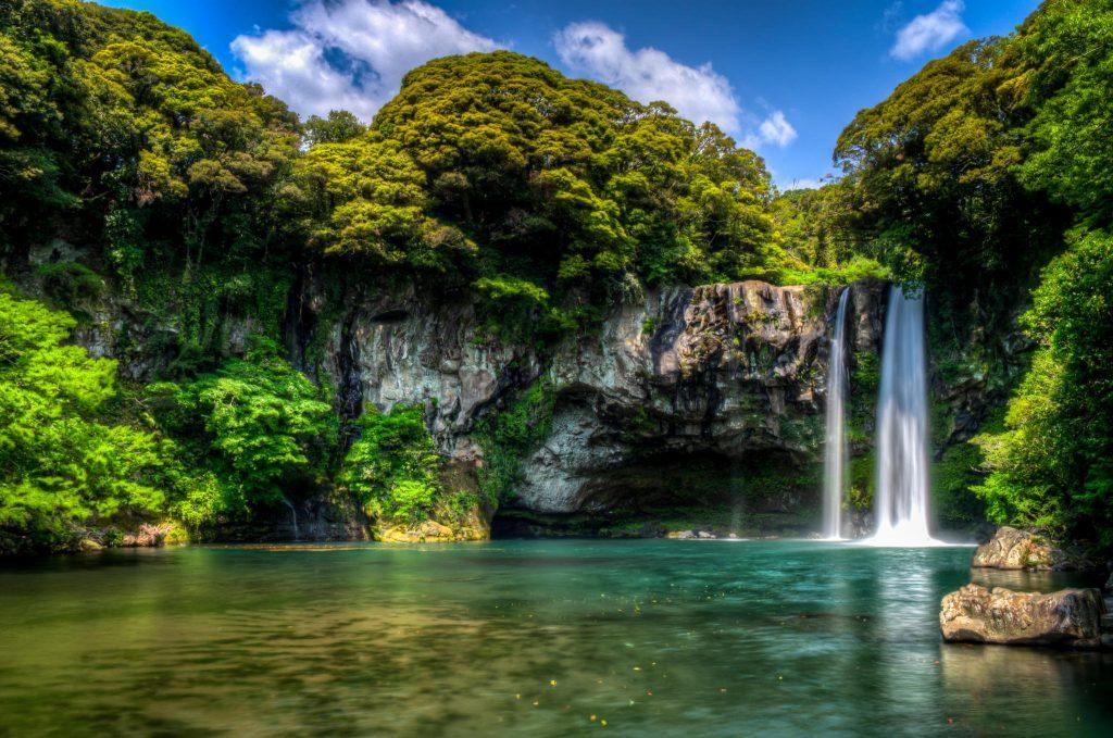 cheonjiyeon-waterfall1