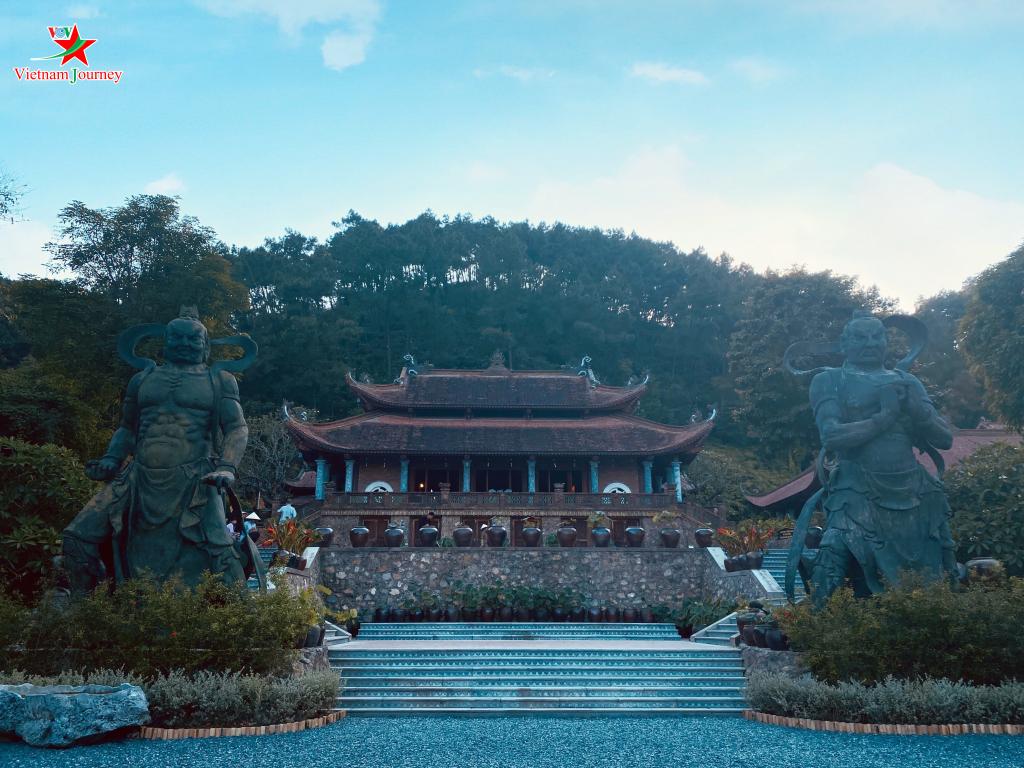 Du lịch tâm linh chùa Địa Tạng