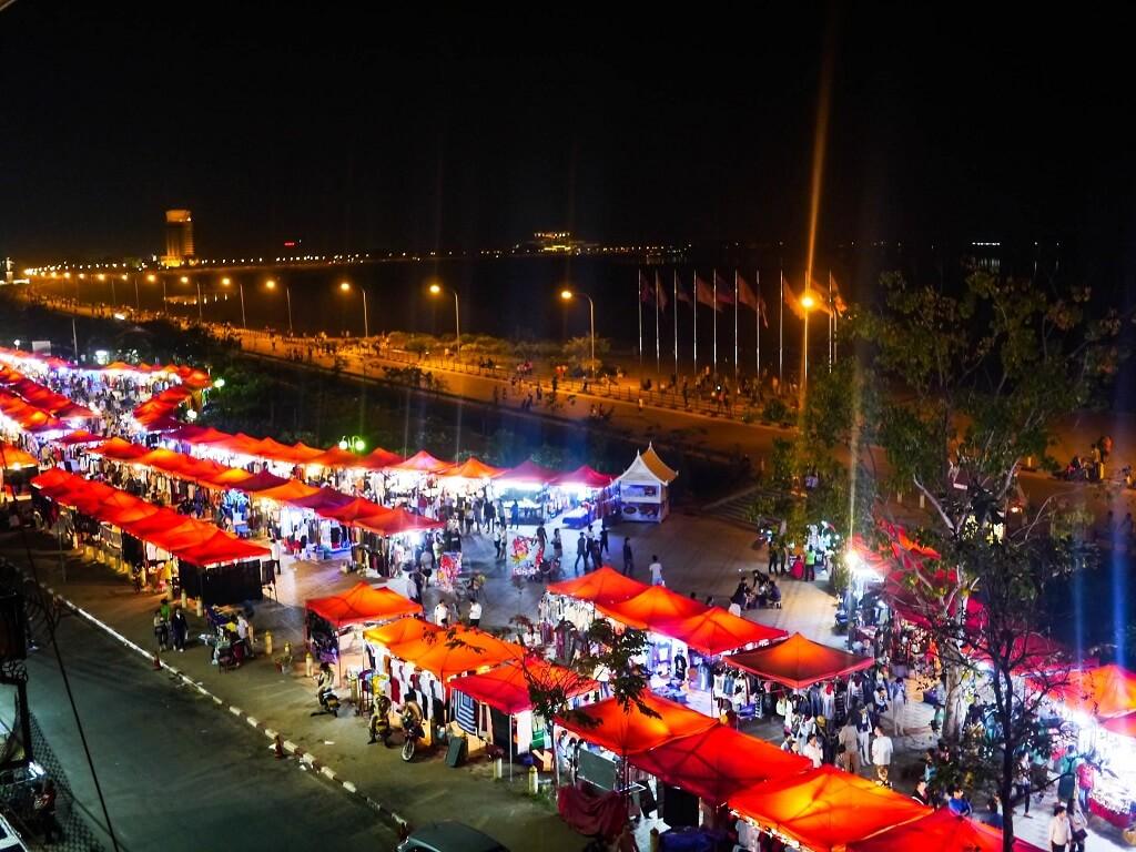 Chợ đường phố Lào
